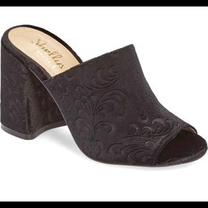 NWT / Shellys London / Velvet Mule